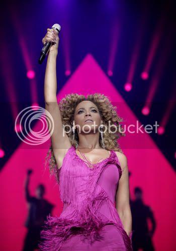 Juin 2011 - 3 concerts en France - Page 8 6-1