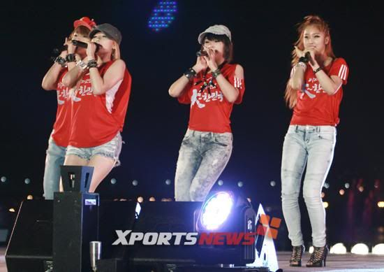 [PERF][22.06.10] Concert to cheer on Korea against Nigeria at 2010 World Cup 1277233470940