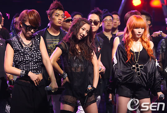 [PERF][20.05.10] 4Min @ CB stage Mnet MCountdown : Who's next + HuH 2010052019147717091