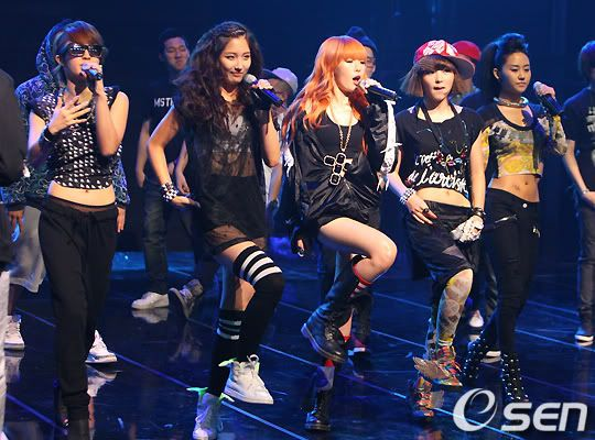 [PERF][20.05.10] 4Min @ CB stage Mnet MCountdown : Who's next + HuH 2010052019487775401