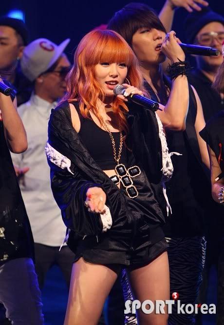 [PERF][20.05.10] 4Min @ CB stage Mnet MCountdown : Who's next + HuH 20100520200546450