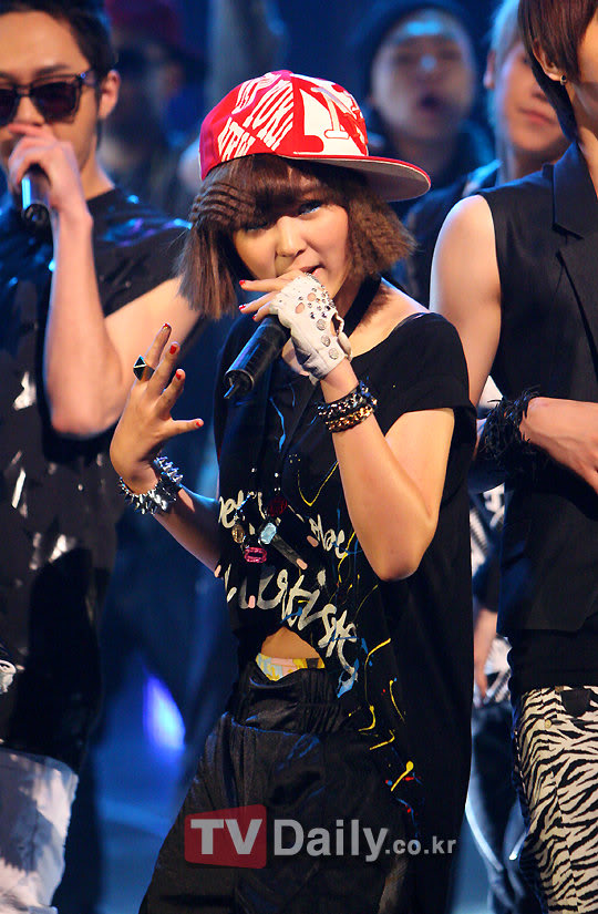 [PERF][20.05.10] 4Min @ CB stage Mnet MCountdown : Who's next + HuH 2061208