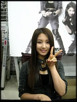 [OTHER][12.06.10] HuH Signing Event Img3682w