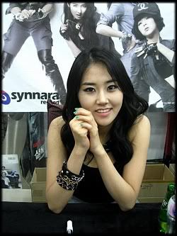 [OTHER][12.06.10] HuH Signing Event Img3685s