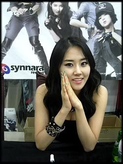 [OTHER][12.06.10] HuH Signing Event Img3686q