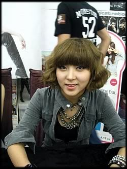 [OTHER][12.06.10] HuH Signing Event Img3688jt