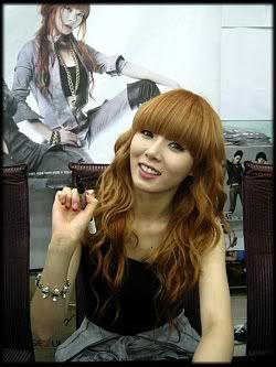 [OTHER][12.06.10] HuH Signing Event Img3689u