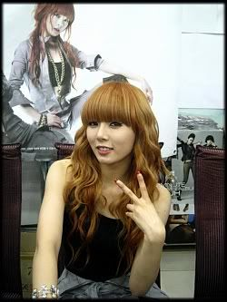 [OTHER][12.06.10] HuH Signing Event Img3690x