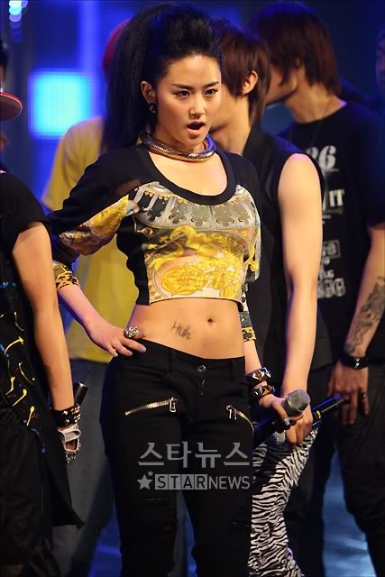 [PERF][20.05.10] 4Min @ CB stage Mnet MCountdown : Who's next + HuH Tn12743561436922937620