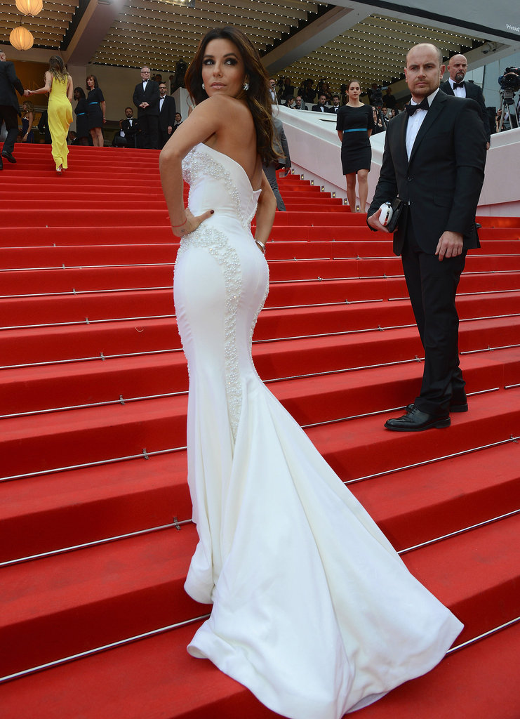 Money Monster Red Carpet Cannes May 12 2016 - Page 2 Eva-Longoria-long-train-cascaded-down-steps-Saint_zpsig9rdqdj
