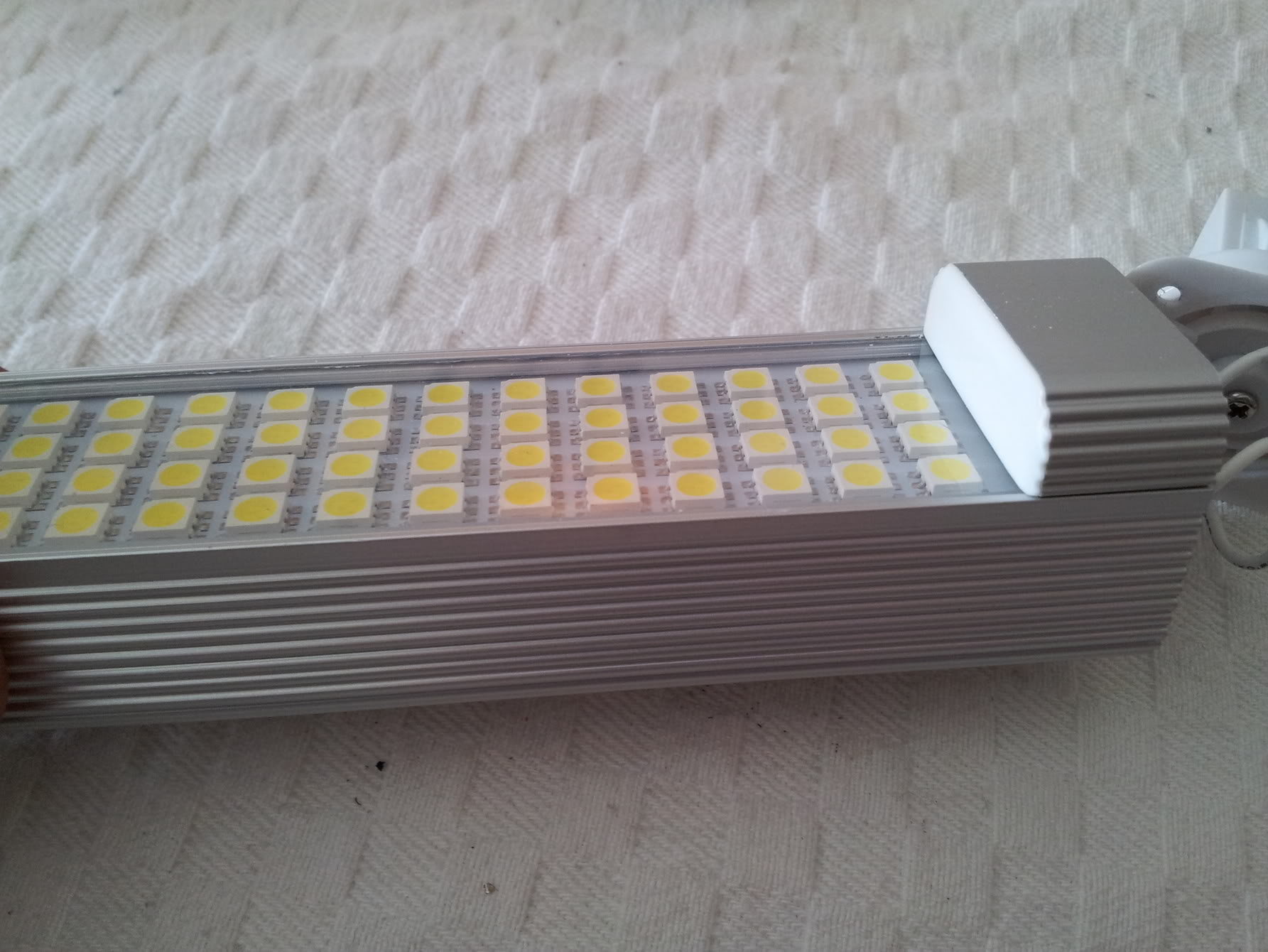 Adaptation Ampoule LED 11W pour nano 2012-03-03142814