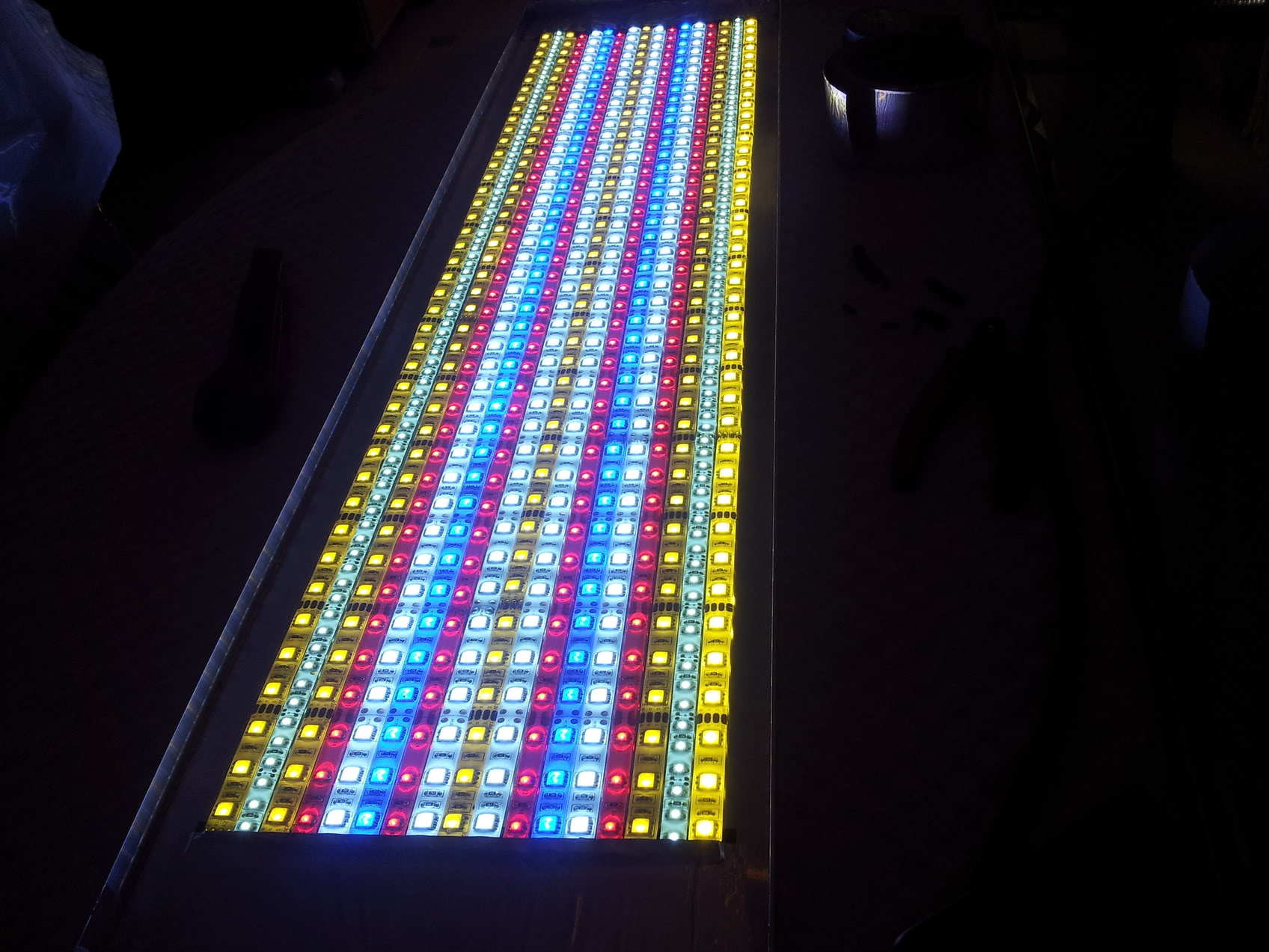 Fabrication galerie LED pour Juwel rio 125 (80cmx20cmx1.8cm) 20120715_152728