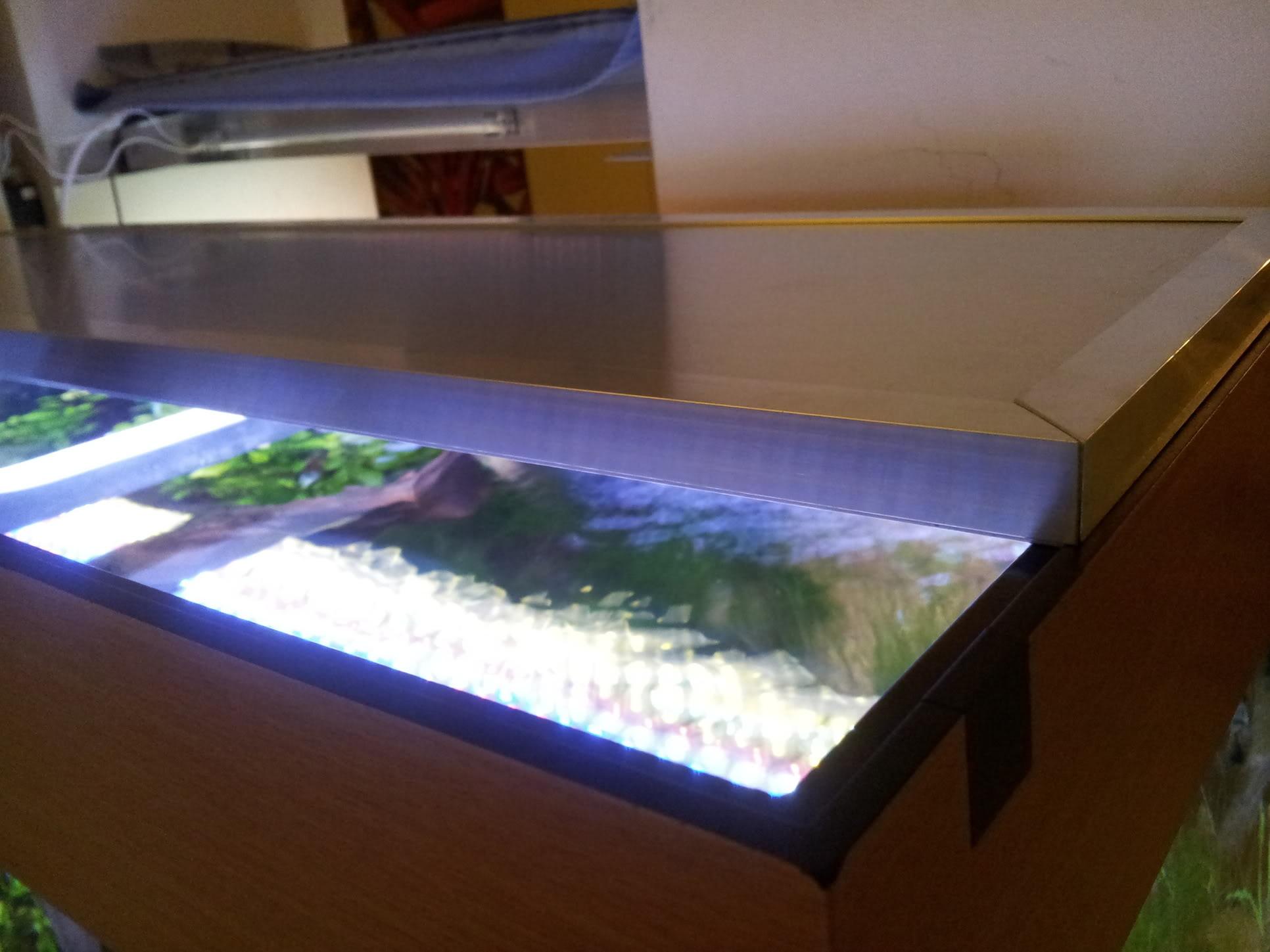 Fabrication galerie LED pour Juwel rio 125 (80cmx20cmx1.8cm) 20120715_205707