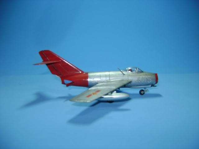 Mikoyan Gurevich MiG-15 Fagot 1/72 Hobby Boss DSC02370