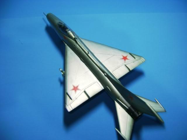 Mikoyan-Gurevich MiG-21 FISHBED 1/72 ACADEMY DSC02373