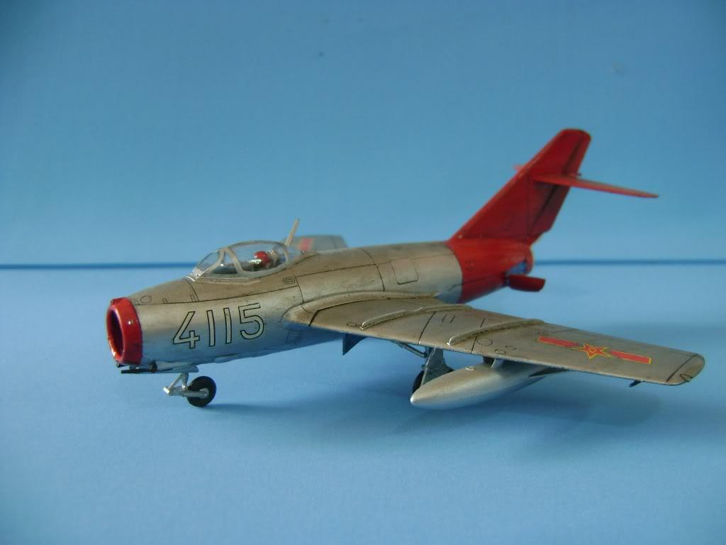 Mikoyan Gurevich MiG-15 Fagot 1/72 Hobby Boss DSC02381
