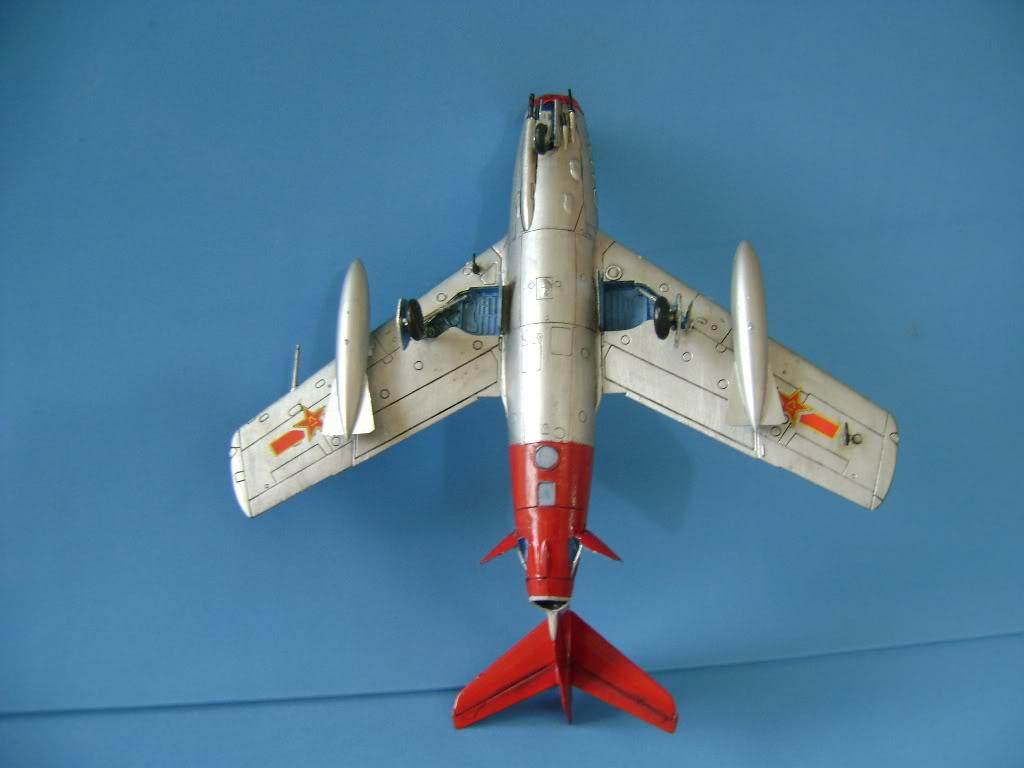Mikoyan Gurevich MiG-15 Fagot 1/72 Hobby Boss DSC02383