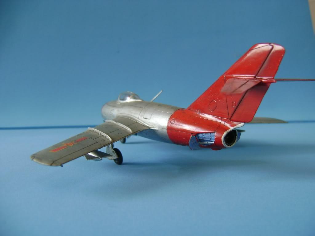 Mikoyan Gurevich MiG-15 Fagot 1/72 Hobby Boss DSC02384