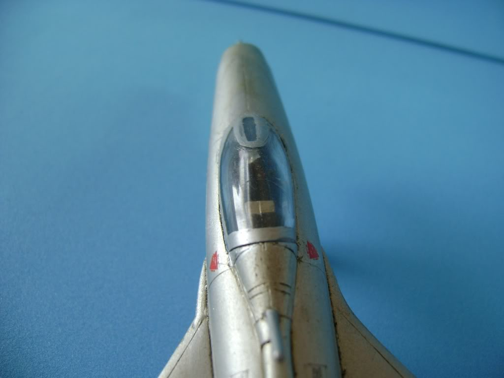 Mikoyan-Gurevich MiG-21 FISHBED 1/72 ACADEMY DSC02392