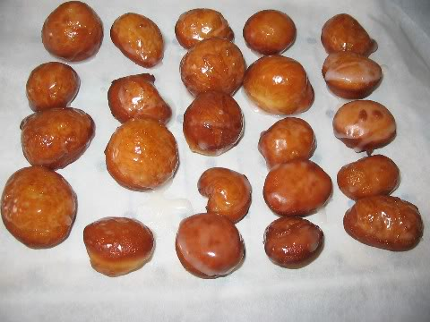 Beignes soufflées glacées au miel Trous-de-beigne-glacs-au-miel