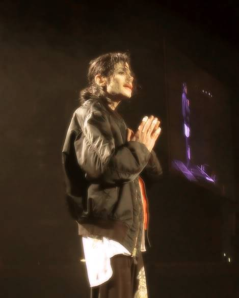 New pictures from This is it A4feeaa79850