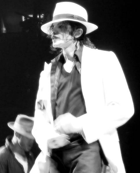 New pictures from This is it Eee4ad1eacb3