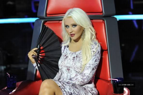 New stills from The Voice live shows TheVoiceSeason2LiveShowOne4