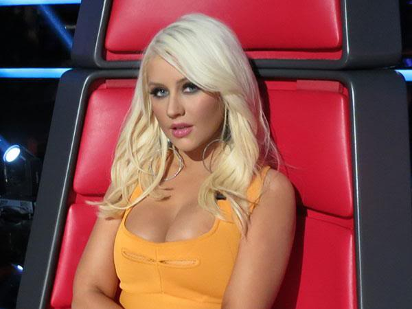 New stills from The Voice live shows TheVoiceSeason2LiveShowOneResults