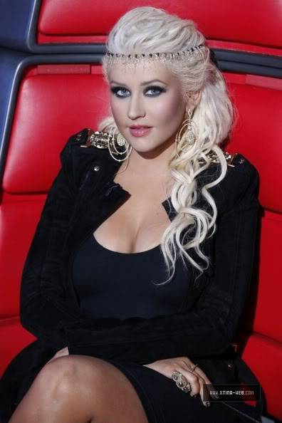 New stills from The Voice live shows TheVoiceSeason2LiveShowOneResults6