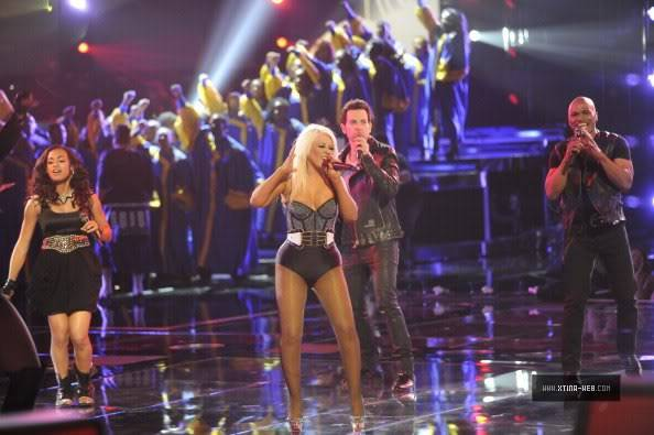 New stills from The Voice live shows TheVoiceSeason2Stills24