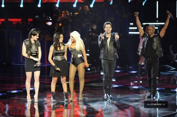 New stills from The Voice live shows TheVoiceSeason2Stills26
