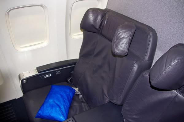 Voando na Copa Airlines, Executiva e Econômica. O Que Esperar? Assento-executiva