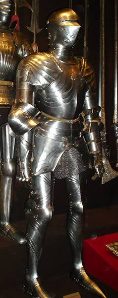 statue de soldat XV Moscow---The-Kremlin-Armoury-gallery_78_443558m