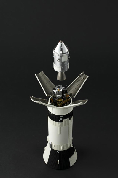 Bandaï Saturn V Apollo 11 & 13 au 1:144, bientôt reproduites 483567_574469479238888_47473607_n