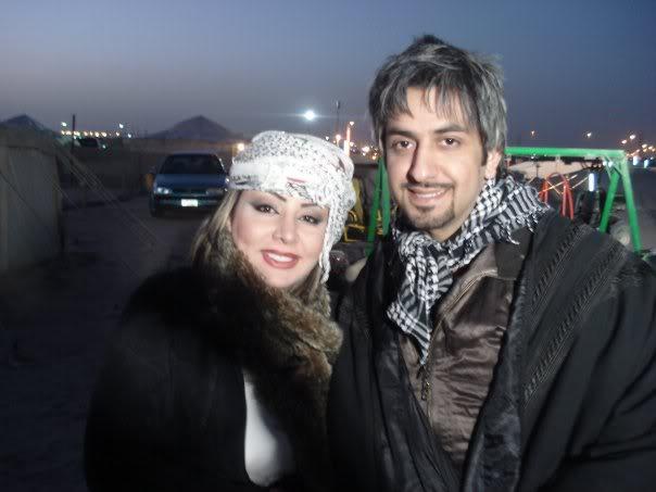 صور محمود بوشهري مع شيماء علي من مخيم فنون :)  22773_100813139952180_1000007048316