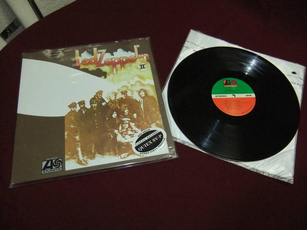 Led Zeppelin II - Originais e Reedição 2014 DSCF0843_zpsiwbqwvne