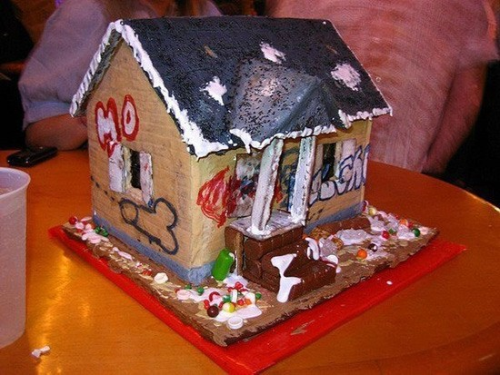 Great Photos thread - Page 3 Gingerbread-crack-house_zps7ce6425e
