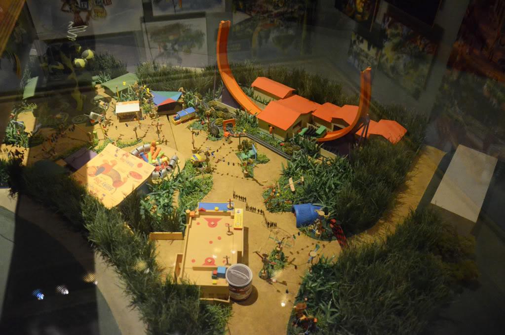 [Hong Kong Disneyland] Toy Story Land (18 novembre 2011) - Page 4 Hkdl6