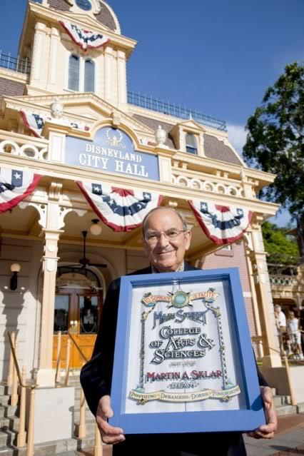 [Disneyland Park] Marty Sklar Disney Legend (fenêtre dédiée sur Main Street + Fête à WDI) Marty_sklar