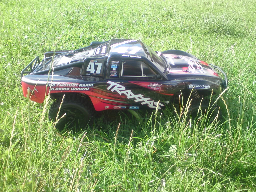 my  brushless 2wd slash  DSC01291