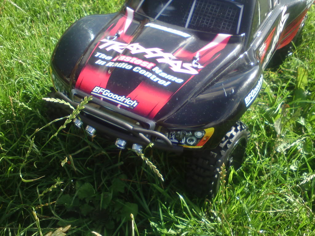 my  brushless 2wd slash  DSC01292