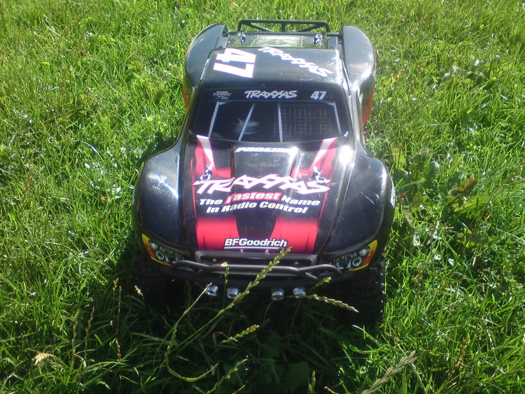 my  brushless 2wd slash  DSC01293