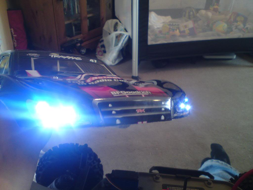 my  brushless 2wd slash  DSC01326-1