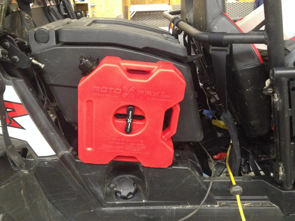 New RZR Auxiliary Fuel Tank IMG_1744_zpsf2a9aa16