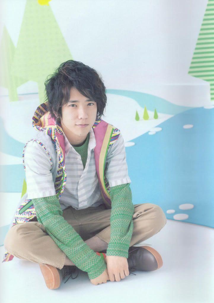 Ninomiya 10-11 tour pamphlet Arashi_10-11_tour_pamphlet_27_runa282