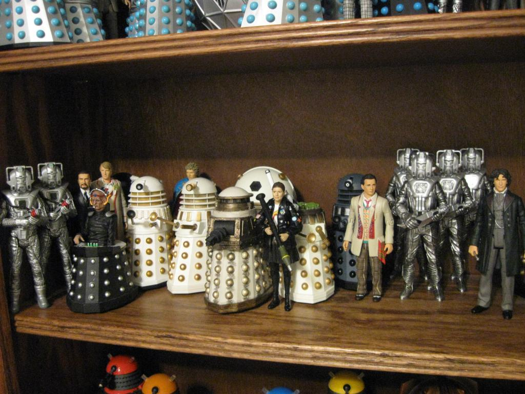 Show off your figure collections!!! - Page 17 DoctorWho5FigureCollection003_zpsad239707