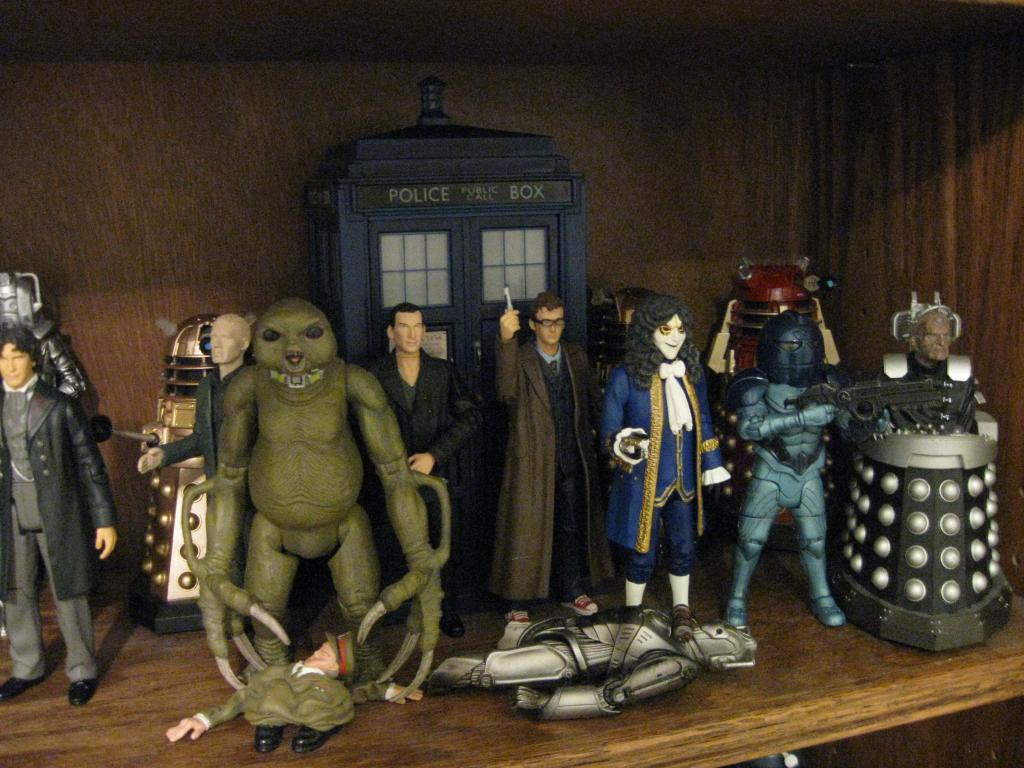 Show off your figure collections!!! - Page 17 DoctorWho5FigureCollection004_zpsc5dc969d
