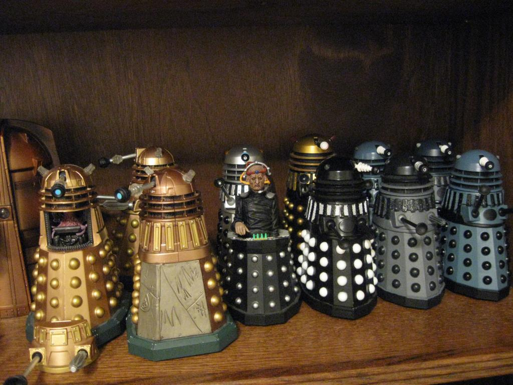 Show off your figure collections!!! - Page 17 DoctorWho5FigureCollection006_zps75e2682b