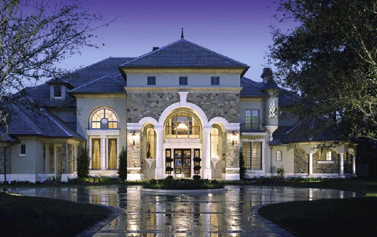 Exterior of the Manor Satisfactions-From-a-Luxury-House-1276