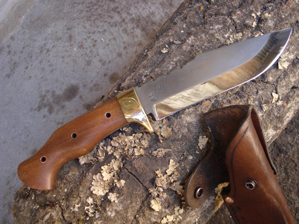 Otro cuchillo terminado, alguien me podra decir como se llama este modelo???? DSC06838_zps527568c8